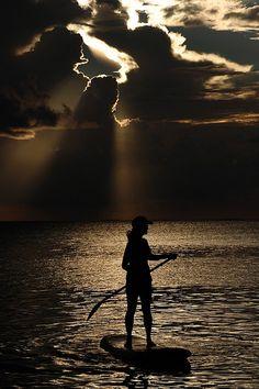 I loveeee paddle boarding!!  Huur ons huis op Bali www.villabuddha.com met personeel  en paddleboard aan het strand