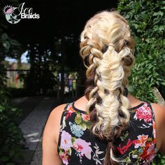 Mix of braids, inspired by @hairbyjaney and @sweethearts_hair_design  ~~~~~~~~~~~~~~~~~~~~~~~~~~~~~~~ #hair #follow #girl #style #awesome #instadaily #braidphotos #instabraid #hairpost #hairposts #ghflook #instablonde #vegas_nay #hudabeauty #hairpostz #wakeupandmakeup #hairstyles #hairstyle #instabraid #hairburst @instagram