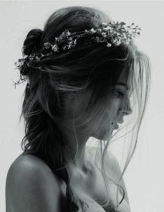 Want this sort of crown instead of a vail at my wedding