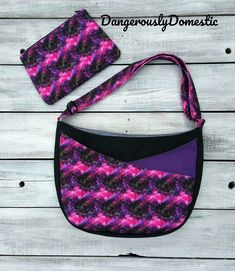 How pretty is this S&S Tote that Dangerously Domestic made that pink mandala fabric is incredible on the front pocket and really just POPS! Photo credit to @dangerouslydomestic If you want to make your own S&S Tote head to the link in our bio to grab the pattern or Comprehensive Video Class today! Selling Crafts Online, Craft Online, Emmaline Bags, Stitch Lines, Wallet Pattern, Bird Design, Handmade Bags, Sunglasses Case, The Incredibles