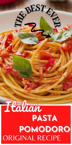Learn how to make a traditional and classic Italian pasta pomodoro recipe: the best pasta to use, the best tomatoes, tips and tricks for a perfect pasta al pomodoro from the South of Italy. #pasta #italianfood #italy #recipe Italian Tomato Sauce, Easy Tomato Sauce, Pasta Pomodoro Recipe, Easy Pasta Dishes, Italian Pasta Recipes, Garlic Pasta, Easy Summer Meals, Food Articles, Classic Italian