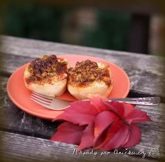 Pečená jablka s ořechy a cornflaky Panna Cotta, Menu, Cookies, Breakfast, Ethnic Recipes, Food, Menu Board Design, Crack Crackers, Morning Coffee
