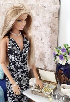 sophiabellintani- Tap the link now to see our super collection of accessories made just for you! Barbie Y Ken, Barbie Hair, Barbie Life, Barbie World, Barbie Dress, Barbie Clothes, Barbie Outfits, Barbie Stuff, Barbie Furniture