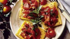 Fast wie Pizza! Gebratene Polenta mit Paprika |