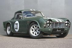 #Triumph #TR4 #FIA