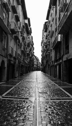 La ciudad parece tranquila y relajada cuando no es San Fermín.