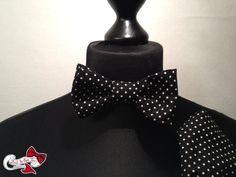 """Kollektion 2012. Kategorie: """"Rock'n'Roll Bows""""    Im Stil der modischen 50er Jahre strahlt man hier mit einer schwarzen Fliege mit weißen Polka-Dot..."""