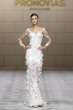 CAPRICORNIO. Atelier Pronovias dress