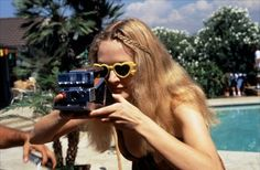 A gallery of 75 Boogie Nights publicity stills and other photos. Featuring Mark Wahlberg, Heather Graham, Burt Reynolds, Julianne Moore and others. Heather Graham Boogie Nights, Brigitte Bardot, Audrey Hepburn, Diane Keaton, Lana Turner, Julianne Moore, Mirrored Sunglasses, Sunglasses Women, Vintage Sunglasses
