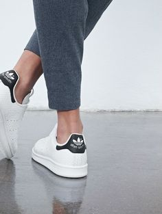 Dit is de sneaker die ieder modemeisje deze zomer draagt