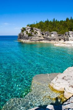 Bruce Peninsula National Park in Canada Holiday Destinations, Vacation Destinations, Dream Vacations, Vacation Rentals, Canada National Parks, Parks Canada, The Places Youll Go, Places To See, Aqua Resort