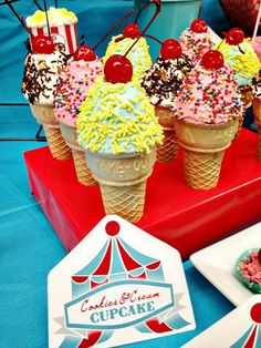 We Heart Parties: 20 Simple Circus Party Ideas + Free Circus Printables