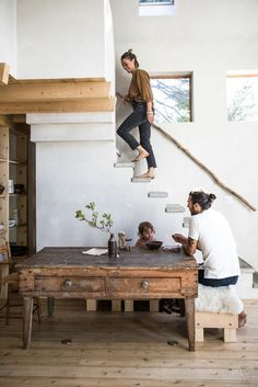 In Maine, a house built with Japanese-style soot colors and charred cedar slats. - Home decorating ideas - In Maine, a house built with Japanese-style soot colors and charred cedar slats.