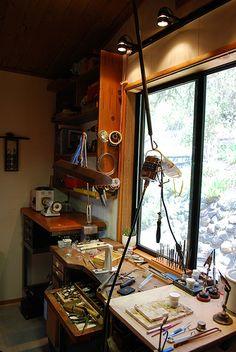 Studio with a view Workshop Studio, Studio Setup, Workshop Ideas, Studio Ideas, Dream Studio, Home Studio, Studio Spaces, Atelier D Art, Studio Organization