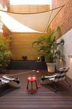 Backyard ideas, create your unique awesome backyard landscaping diy inexpensive on a budget patio - Small backyard ideas for small yards Porch And Terrace, Small Terrace, Small Patio, Backyard Ideas For Small Yards, Small Backyard Landscaping, Sloped Backyard, Pergola Patio, Backyard Patio, Pergola Kits