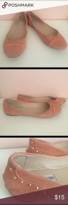 Steve Madden Studded Ballet Flats, Salmon 10 Steve Madden Studded Ballet Flats - Salmon Color - Size 10 - Suede Material - Gold Stud Accents - Used-Worn (Suede has some blackish marks that may come off with wash) - From a Smoke-Free and Pet-Free home! Steve Madden Shoes Flats & Loafers