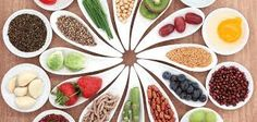 """Is there really such a thing as a """"superfood""""? Read this diet and nutrition expert's answer Carbohydrates Food List, Allergies Alimentaires, Healthy Life, Healthy Eating, Healthy Hair, Healthy Weight, Food Platters, Fat Burning Foods, Fodmap"""