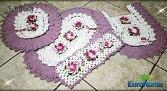 juhcroche Jogo de banheiro Babado Duplo.. Adoro esse modelo. Neste modelo utilizei Euroroma branco e lilas 06 euroroma Milano lilas e verde limão. #juhcroche #artesanato #arrasandonocroche #artecomeuroroma #amocrochet #barbantesecologicos #banheiro #casaésua #crochet #crochetando #crochetaddict #crochetlover #crochetlife #crochetandocomeuroroma #euroroma #euquefiz #euamocrochet #feitoamao #fiosecologicos #handmade #instalike #instacrochet #tapete #minhacasa