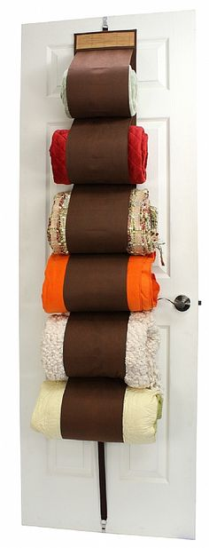 Blanket Rack...this would come in handy, great for storaging your toilet paper, too...