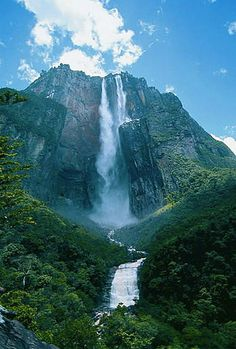 The highest waterfall in the world, the general height is 979 m (3212 ft). It is named in honor of pilot James Ejndzhela (English Angel). He was the first one who saw it when he was flying by through it in 1935.