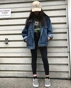 denim jacker leggings black skinny jeans green t shirt comfy casual outfits clothes korean fashion spring summer autumn winter school street everyday aesthetic soft minimalistic kawaii cute g e o r g i a n a : c l o t h e s Mode Outfits, Retro Outfits, Fall Outfits, Vintage Outfits, Casual Outfits, Grunge School Outfits, Korean Outfits School, Outfits With Black Vans, Black Crop Top Outfit