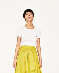 ZARA - WOMAN - RIBBED T-SHIRT WITH CONTRASTING PIPING £9.99