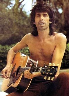 a younger Keith Richards -- wonder what he's serenading us with? Ronnie Wood, Keith Richards, Mick Jagger, Rolling Stones, Gram Parsons, Ron Woods, Charlie Watts, Boogie Woogie, Rhythm And Blues