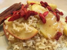 Day 3: January 3, 2016: Warm Breakfast with whole grains (brown rice) and sauteed organic apples, with freshly ground cinnamon, nutmeg and cloves, topped with goji berries and local Arizona honey.