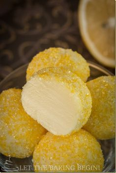 Lemon Truffles will make a perfect gift this holiday season and once you realize how fast and easy they come together, you'll be wondering why you haven't done this sooner :) Source by giantweta desserts desserts easy desserts healthy desserts recipes Lemon Desserts, Lemon Recipes, Just Desserts, Sweet Recipes, Yellow Desserts, Healthy Desserts, Fudge, Candy Recipes, Dessert Recipes