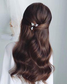 Royal Hairstyles, Bridal Hair Down, Curly Hair Styles, Natural Hair Styles, Long Dark Hair, Hair Decorations, Aesthetic Hair, Hair Designs, Prom Hair