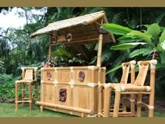 Ahoy matey it's party time, your Pirate Quarters Outdoor Tiki Bar comes straight from Hawaii where it is handcrafted from top quality bamboo and hardwoods