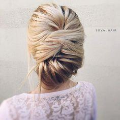 Wedding hairstyle | updo wedding hairstyle ideas #hairstyle #hairideas #hairdown #weddinghairideas #weddinghair #bridalhair