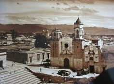 Templo de San José y construcción de la Plaza de la Danza a mediados del siglo XX.