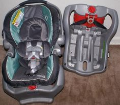 Graco SnugRide Classic Connect 35 Infant Car Seat Bermuda PLUS Two Bases