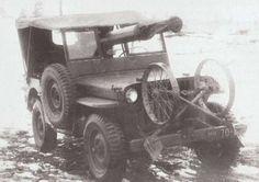 37-мм авиадесантная ПТП образца 1944 года (ЧК-М1), установленная на автомобиль «Виллис».