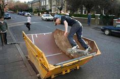 How many different ways can you upcycle an old dumpster? The Skip Conversions project turns them into swimming pools, skate ramps and more. Backyard Skatepark, Skateboard Ramps, Bmx Ramps, Skateboard Design, Skateboard Art, Mini Ramp, Skate Ramp, Skate Surf, Benne