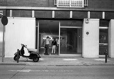 Street Street Photography, Garage Doors, Car, Outdoor Decor, Automobile, Autos, Carriage Doors, Cars