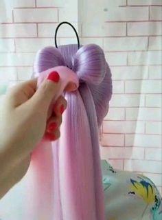Rainbow Hair Bow Tutorial - Frisuren einfache - rainbow Stills Pretty Hairstyles, Girl Hairstyles, Popular Hairstyles, Wedding Hairstyles, Long Hair Hairdos, Hairstyle Ideas, Hairstyles For Kids, Kawaii Hairstyles, Simple Hairstyles