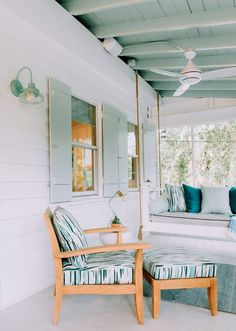 A schoolhouse wall sconce adds vintage style to this screened porch. American made schoolhouse lighting is easy to customize at Barn Light Electric. Maine Cottage, Beach Cottage Style, Beach House Decor, Home Decor, Cottage Exterior, Exterior House Colors, Banquettes, Conch House, Small Beach Cottages