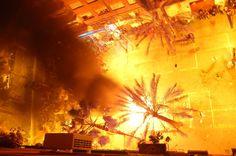 Explora esta imagen interactiva: Cremá 2012 Las Fallas Valencia by Alessandro