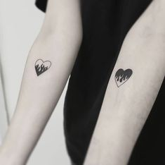 Pair Tattoos, Bff Tattoos, Dainty Tattoos, Dope Tattoos, Mini Tattoos, Finger Tattoos, Small Tattoos, Tatoos, Sharpie Tattoos