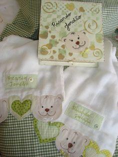 Kit de 2 fraldas de boca! Os ursos sempre arrasam! facebook.com/mariapaulaartesanatos