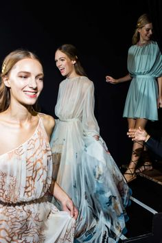 Valentino S/S 2015 bakstage #style #fashion #gowns