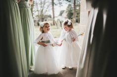 Those little moments that only having children at weddings gives you. How cute are these two little flower girls!