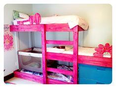 5 Wonderful Ideas of Triple Bunk Beds for Your Kids' Bedroom – Interior Design Triple Bunk Beds, Kids Bunk Beds, Loft Beds, Shared Bedrooms, Big Girl Rooms, Kid Rooms, Bed Plans, Loft Spaces, Furniture Makeover