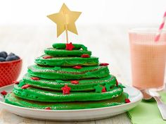 These adorable trees are so easy to make just by coloring up a batch of Bisquick® pancakes! Each tree is stack of different size pancakes with fun, festive decorations that will delight young and old alike.