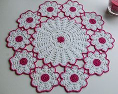 Crochet Accessories Free Pattern, Crochet Doily Patterns, Crochet Doilies, Crochet Flowers, Crochet Bedspread, Manta Crochet, Crochet Gifts, Creative, Crafts