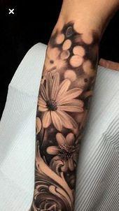 Woman arm tattoo - the art of accessorizing her body .- Tatouage bras femme – l'art d'accessoiriser son corps d'une manière c… Woman arm tattoo – the art of accessorizing her body in a cool way - Tattoo Sleeve Filler, Tattoo Sleeve Designs, Tattoo Designs For Women, Daisy Tattoo Designs, Daisy Flower Tattoos, Rose Tattoos, Body Art Tattoos, Female Tattoos, Daisies Tattoo