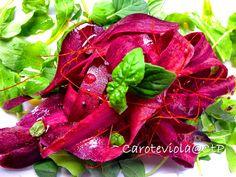 Freschezza e Colore : Carote Viola | Cuoca... a Tempo Perso Strawberry, Stuffed Peppers, Vegetables, Fruit, Food, Stuffed Pepper, Essen, Strawberry Fruit, Vegetable Recipes