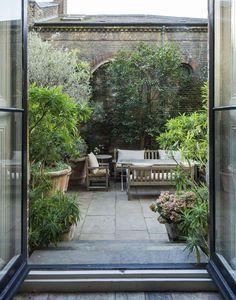 Small Courtyard Gardens, Terrace Garden, Garden Beds, Outdoor Gardens, Roof Gardens, Garden Table, Garden Design Plans, Small Garden Design, Backyard Patio